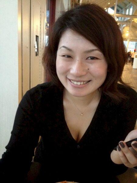 Adopte une femme libertine asiatique en manque