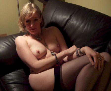 Chienne sexy vraiment très sexy cherche un homme soumis
