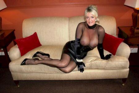 Femme cougar sexy très sexy cherche un mec réel