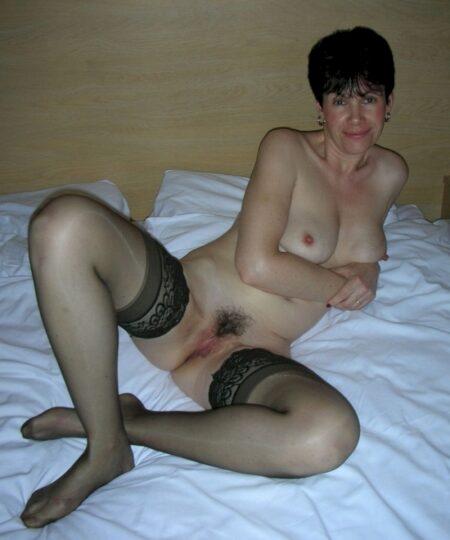 Femme mature vraiment très sexy recherche un gars tranquille