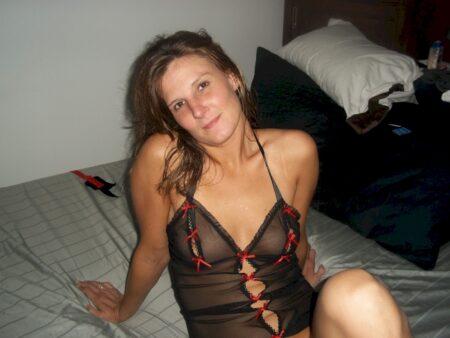 Salope sexy célib qui veut du sérieux