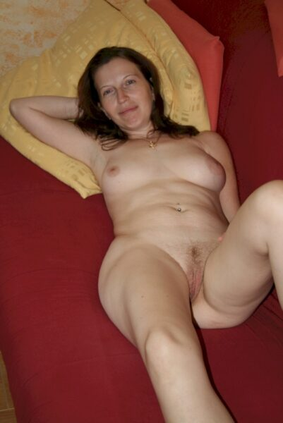 Salope sexy docile pour homme directif